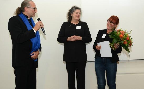 Jens Thasler, Vorsitzender BDIA Thüringen gratuliert Jutta Kehr zur BDIA Ehrenmitgliedschaft; Foto: www.image-point.de/Uwe Ernst