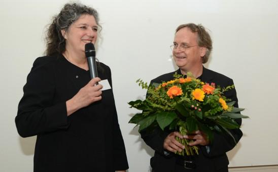 BDIA Präsidentin Vera Schmitz gratuliert Martin Müller zur Wahl zum Vizepräsident der Bundesarchitektenkammer; Foto: www.image-point.de/Uwe Ernst
