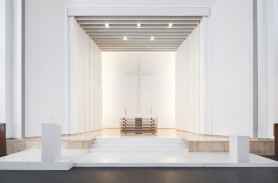 DIAP 2014_ 2. Preis Lutherkirche Düsseldorf, Altarraum. LEPEL & LEPEL Architekten Innenarchitekten, Köln. Foto: Jens Kirchner. www.lepel-lepel.de