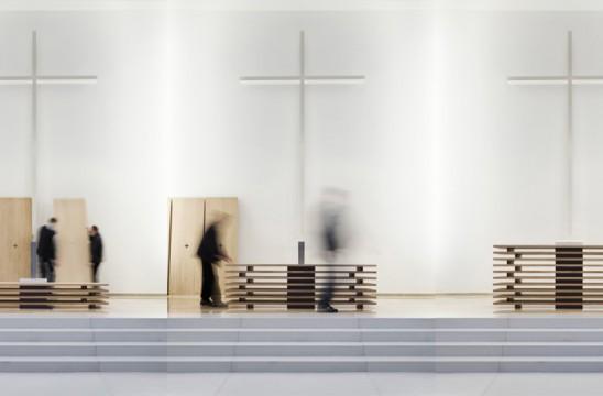 DIAP 2014_ 2. Preis Lutherkirche Düsseldorf, Altar gestapelt. LEPEL & LEPEL Architekten Innenarchitekten, Köln. Foto: Jens Kirchner. www.lepel-lepel.de