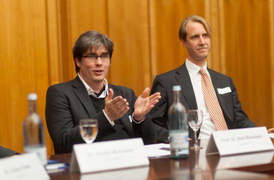 Prof. Dr. Bert Bielefeld, Uni Siegen und BDIA Bundesgeschäftsführer Constantin von Mirbach. Foto: Till Budde