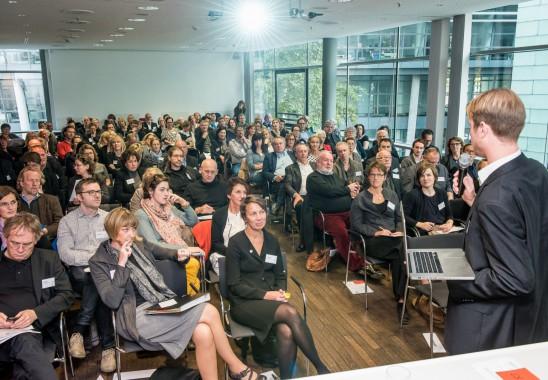 Volles Haus zur Bundesmitgliederversammlung 2015 in der Architektenkammer NRW. Foto: Oliver Edelbruch