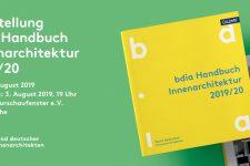 03.08.2019_Es ist wieder KAMUNAzeit in Karlsruhe, Ausstellung zum bdia Handbuch Innenarchitektur 2019/20, Architekturschaufenster Karlsruhe